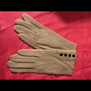 Taupe/beige gloves